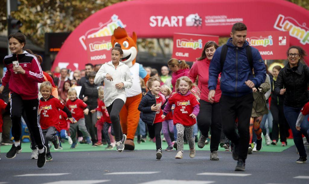 FOTO:Mladi tekači odprli 24. VW Ljubljanski maraton
