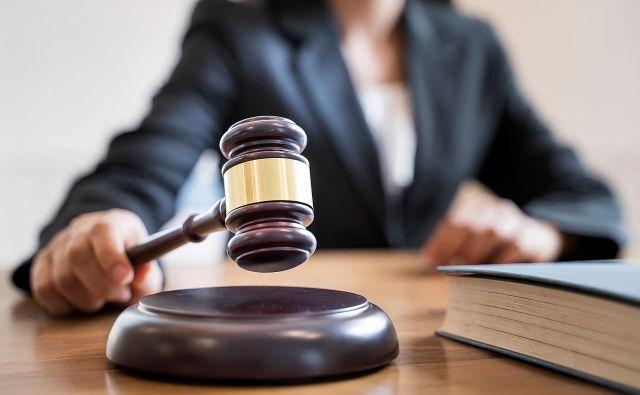 Nemožnost uporabe pooblastila za izvedbo hišne preiskave v nenavzočnosti upravičenca bi namreč negativno vplivala na možnosti državnih organov za uresničevanje javnega interesa. FOTO: Shutterstock
