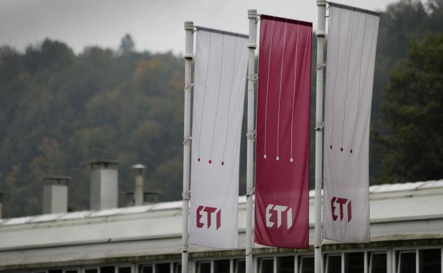 Pred delavci Etijevih slovenskih podjetij je prenovljeni plačni sistem. Foto Leon Vidic/delo