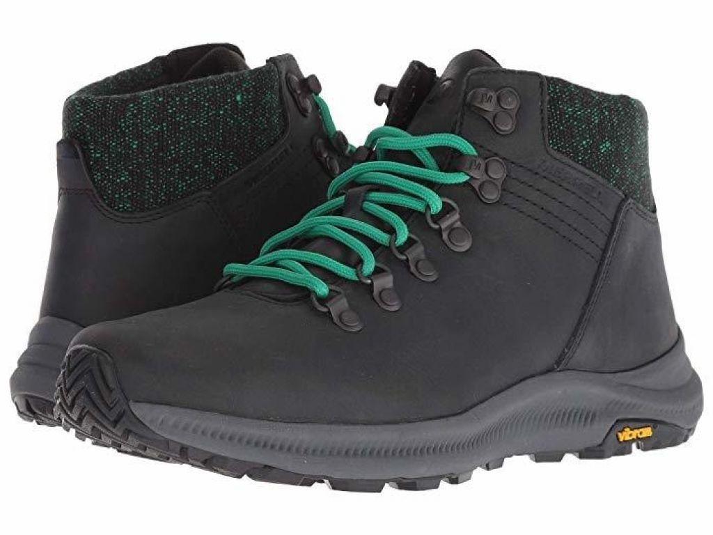 Pohodniški čevlji: Lahkost in udobje na vsakem koraku