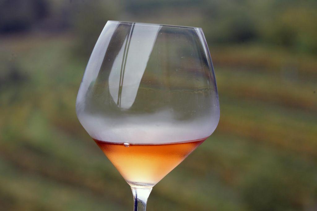 Dunaj v barvi oranžnega vina