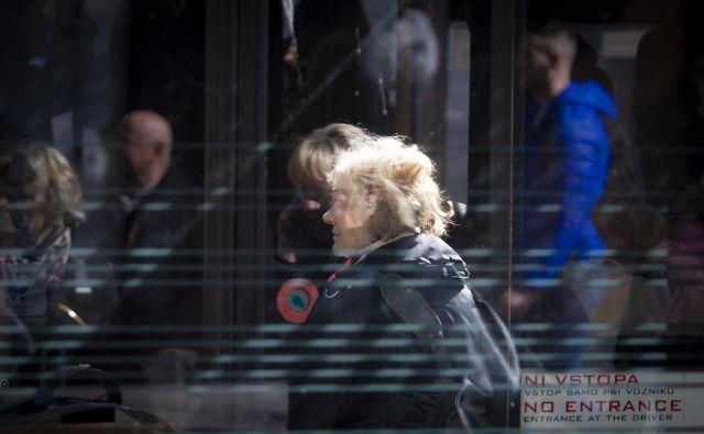 Lani je policija obravnavala skoraj 5100 primerov nasilja nad starejšimi. Foto Dejan Javornik
