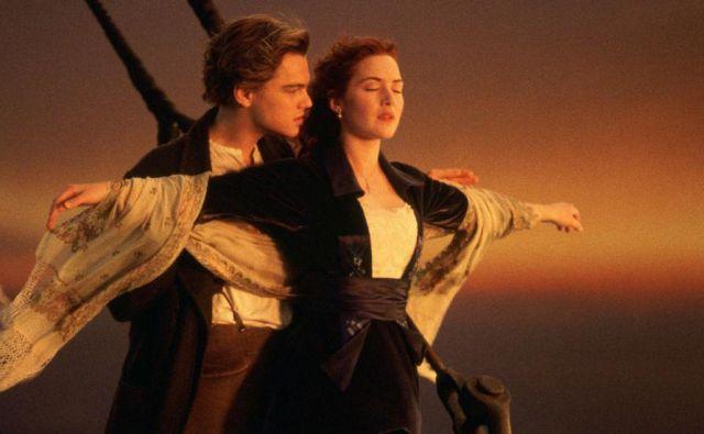 Prizor, ki ga v <em>Titaniku</em> pospremi Céline Dion s pesmijo <em>My Heart Will Go On</em>. FOTO: promocijsko gradivo filma