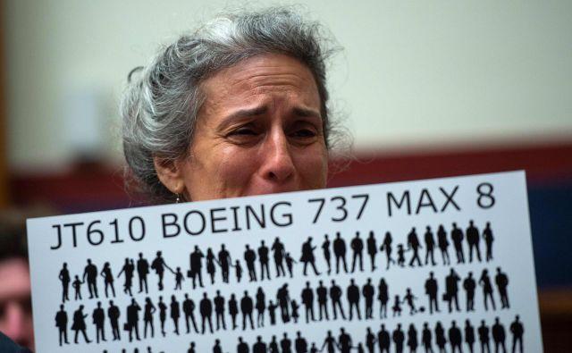 Po strmoglavljenjih so se pojavila ugibanja, ali je Boeing v želji po čimprejšnjem dokončanju modela max ubiral bližnjice. FOTO: Andrew Caballero-reynolds/Afp