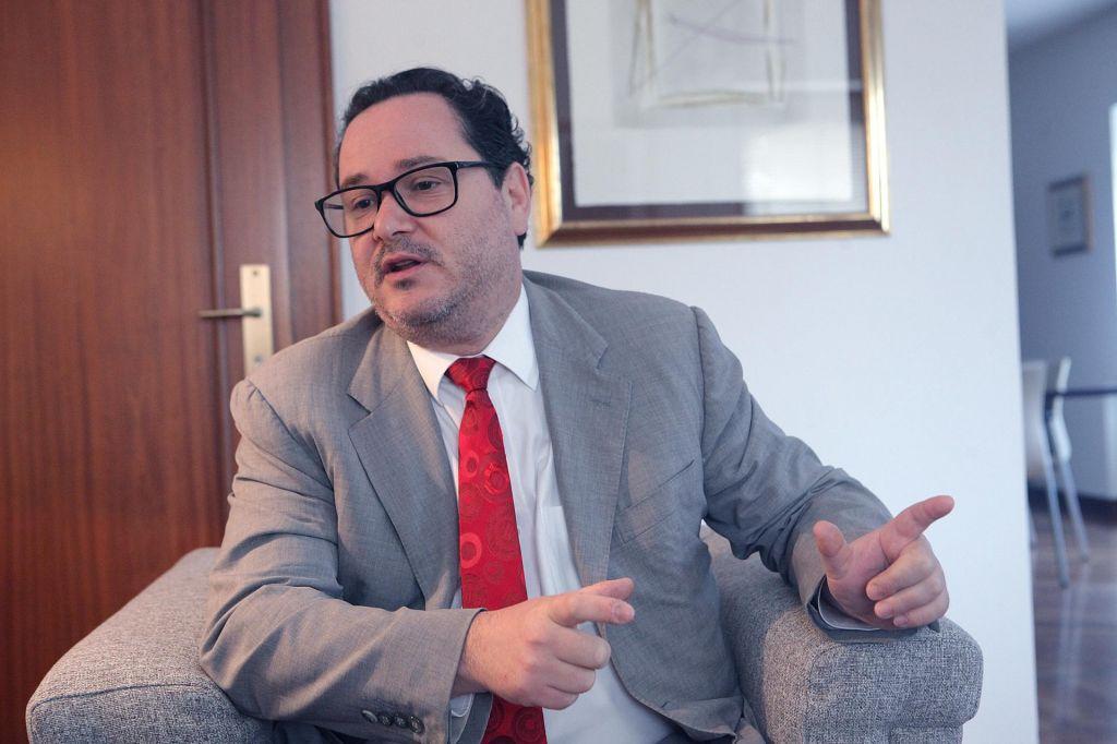 Dialog bo, a v zakonitih okvirih španske države