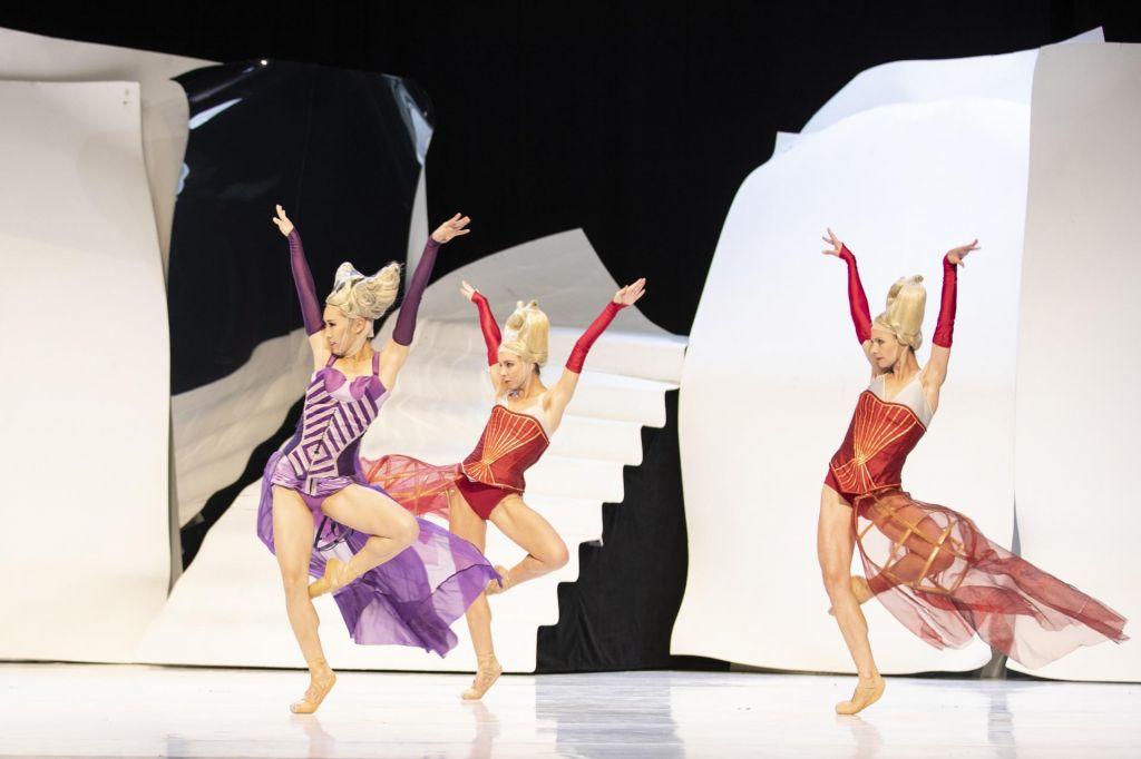 Namigi prireditev: balet Pepelka, drama Alice v postelji in Svetlopisani dnevi