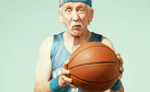 Kaj nas v starosti žene k vadbi oziroma kateri so osnovni cilji, ki jih starostniki z vadbo skušajo doseči? Foto Shutterstock