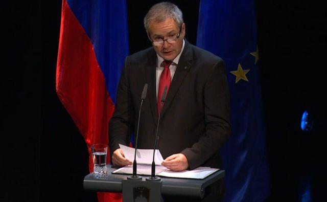 Dejan Židan je v nagovoru med drugim poudaril pomen združevanja. FOTO: Televizijski prenos na RTV SLO