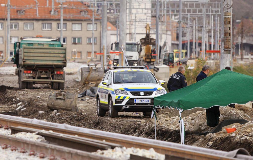 FOTO:Občani naj upoštevajo navodila, evakuacija je obvezna