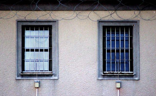 Neimenovanega pripornika so v celjski zapor premestili ravno zaradi agresivnega obnašanja v Ljubljani. FOTO: Brane Piano/Delo