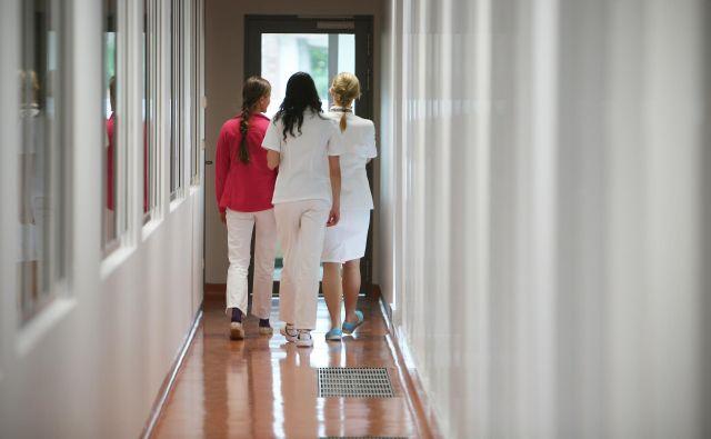 Uvedba elektronskega bolniškega lista naj bi razbremenila družinske zdravnike. FOTO:Jure Eržen/Delo