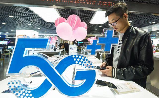Kitajska hiti z gradnjo omrežja 5G. FOTO: AFP