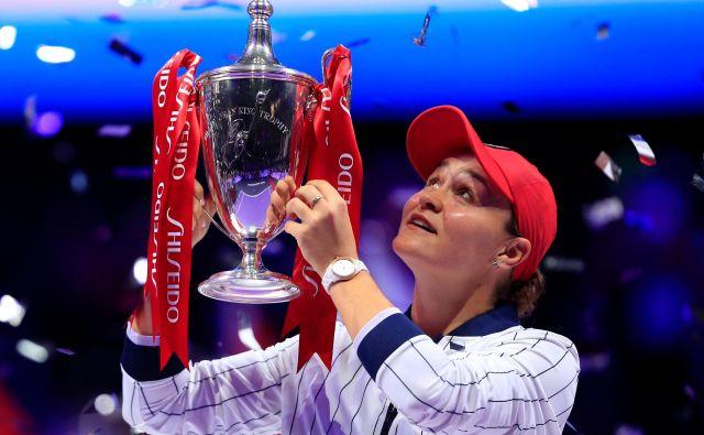 Ashleigh Barty je izjemno posamično sezono sklenila s prestižno zmago na Kitajskem. FOTO: Reuters