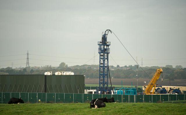 Podjetje Cuadrilla Resources je s frackingom skušalo priti do zemeljskega plina, a je britanska vlada dejavnost začasno prepovedala. FOTO: Oli Scarff/AFP