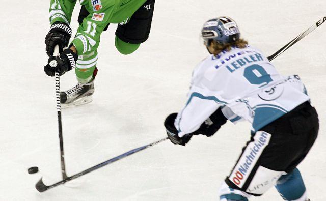 Žiga Pešut (v zelenem dresu) je bil junak Olimpijine zmage v Italiji. FOTO: Mavric Pivk/Delo