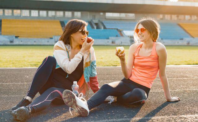 Naj pa postane jutranja ali večerna osnovna telovadba, ki traja le 15 do največ <strong>30 minut</strong>, del naše vsakdanje rutine. Foto Thinkstock
