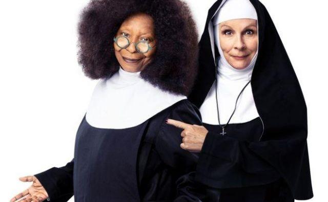Whoopi Goldberg je v promocijskem videu za predstavo potrdila: »Da, originalna Deloris se vrača. Nekoliko starejša in zrelejša, a še vedno za akcijo.«<br /> Foto Promocijsko gradivo