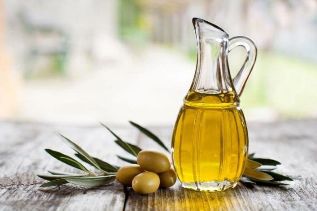 FOTO:Najboljše oljčno olje je tisto, ki peče in greni