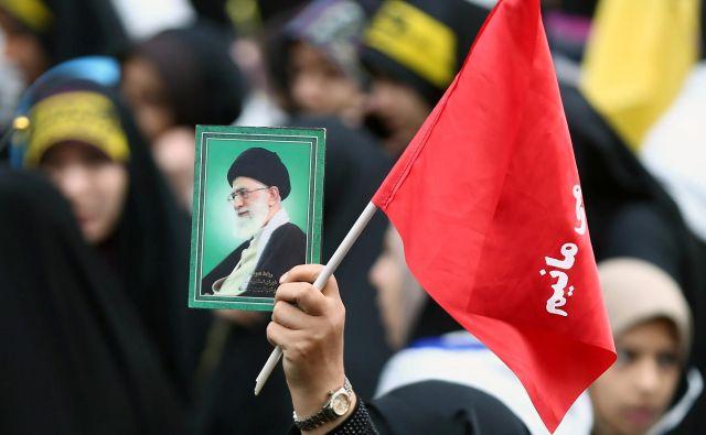 V Iranu bosta z obratovanjem začeli dve napredni centrifugi, namenjeni bogatenju urana. FOTO: Reuters