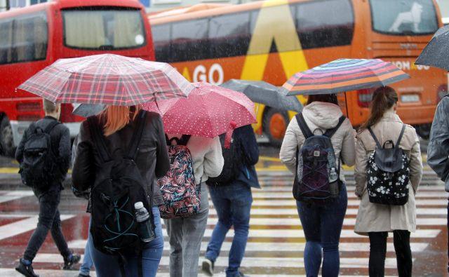 Upokojenci od prihodnjega poletja brezplačno z avtobusi in vlaki. FOTO: Mavric Pivk
