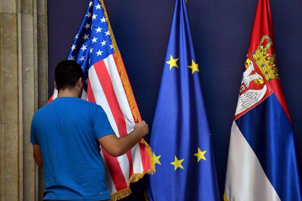 Balkanski spektakel v Beli hiši