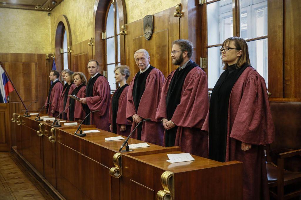 Janšev ali Cerarjev ustavni sodnik: je to res vprašanje?