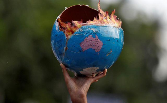 »Podnebna kriza je prispela in se poglablja hitreje, kot je pričakovala večina znanstvenikov. «FOTO: Francis Mascarenhas/Reuters