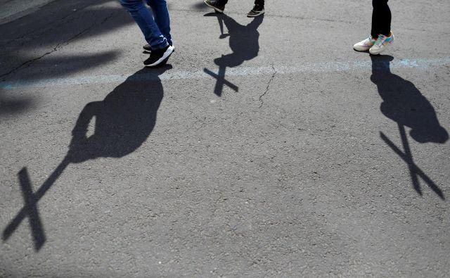 Pred nekaj dnevi so na ulicah mehiške prestolnice protestirali proti nasilju nad predstavnicami nežnejšega spola. FOTO: Carlos Jasso/Reuters