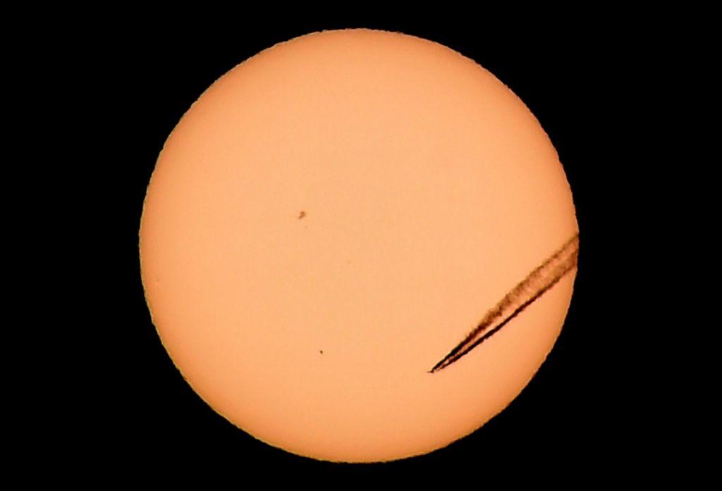 FOTO:Merkurjev šov za Zemljane
