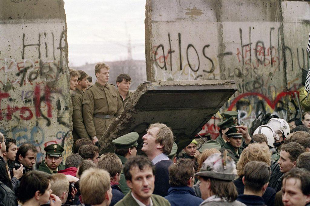 FOTO:Dve zgodbi o Majdanu, dve zgodbi o letu 1989
