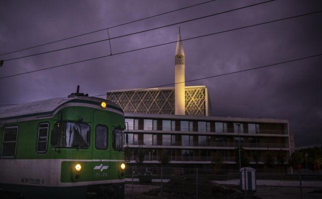Kar 80 odstotkov denarja za gradnjo prve džamije pri nas so odšteli Katarci. Foto: Voranc Vogel