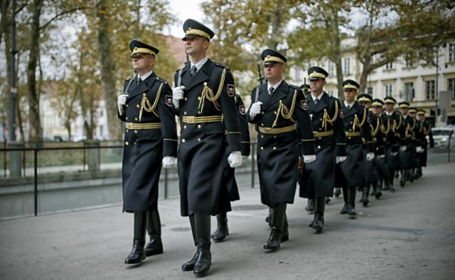 Vojaški poklic nikoli ni bil najbolj priljubljen v Sloveniji, a pripadniki opozarjajo, da so se razmere v zadnjem letu še močno poslabšale.<br /> Foto Blaž Samec