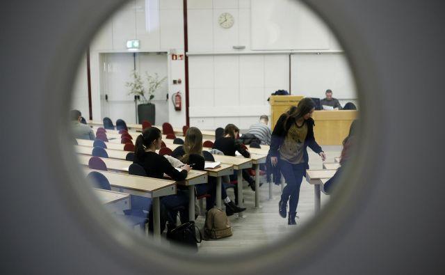 Ekonomska fakulteta UL se z mednarodnimi akreditacijami (EQUIS, AACSB, AMBA) uvršča med en odstotek najboljših poslovnih šol v svetu. FOTO: Blaž Samec