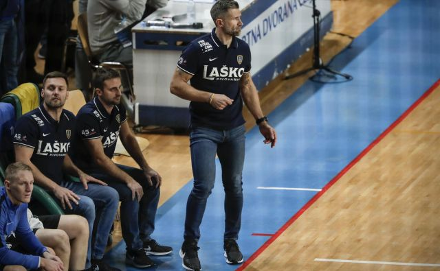 Tomaž Ocvirk je za nedeljski izziv z Zagrebom lahko odpočil nosilce igre, dal pa priložnost rezervistom. FOTO: Uroš Hočevar
