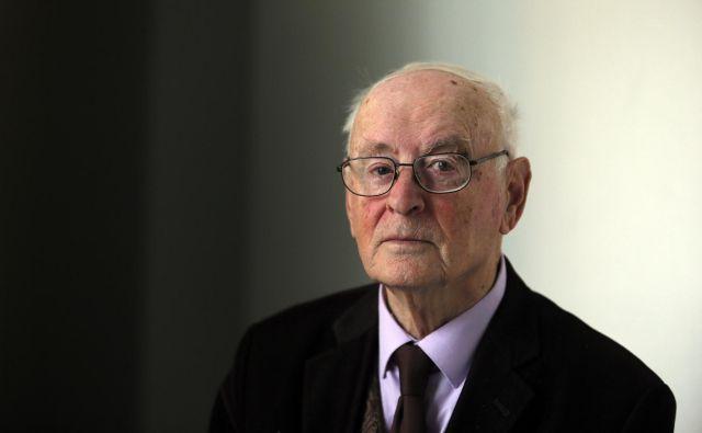 Dr. Janko Kos je literarni zgodovinar in teoretik ter eden izmed štirih urednikov zbirke. Foto Matej Družnik