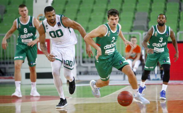 Filip Krušlin (2) je bil za marsikoga odkritje tekme z Darušafako. FOTO: Roman Šipić