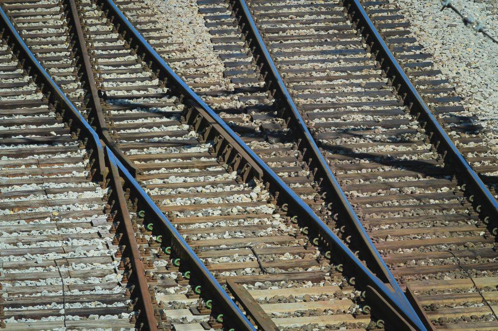 Pri Zidanem mostu se je iztiril vlak
