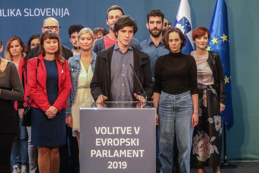 FOTO:Kdo zapušča koga in kako bo koalicija nadaljevala?