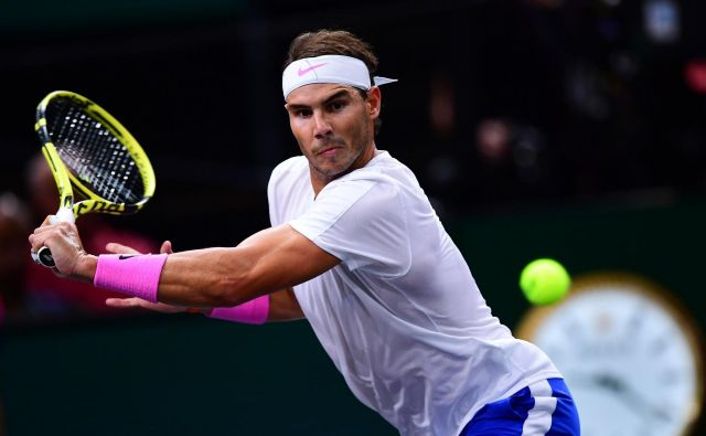 Rafael Nadal je teden spet začel kot prvi igralec sveta, a tudi z novimi skrbmi zaradi poškodbe. FOTO: AFP