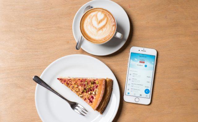 Aplikacija mBills je prejela naziv najboljše mobilne aplikacije za e-plačila v Srednji Evropi. FOTO: Klemen Jeke