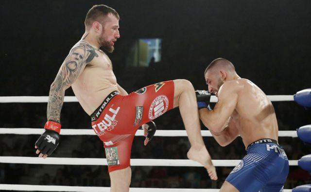 Lemmy Kruš�ič (levo) je trdno odločen premagati Poljaka SebastianaPrzybysza. FOTO: Leon Vidic