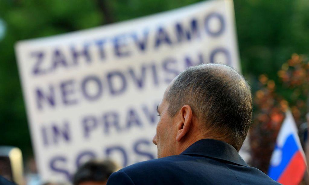 FOTO:Na vrsti odločanje o skoraj milijon evrov odškodnine Janezu Janše