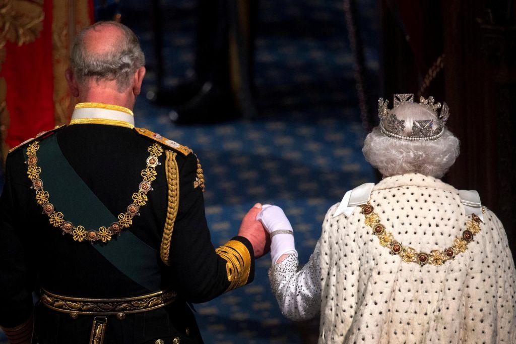 FOTO:Nič več najboljši prijatelj njenega veličanstva