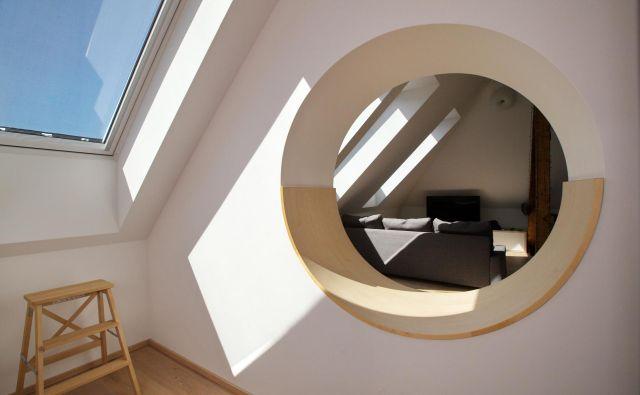 pisarna svetloba velux Foto Velux
