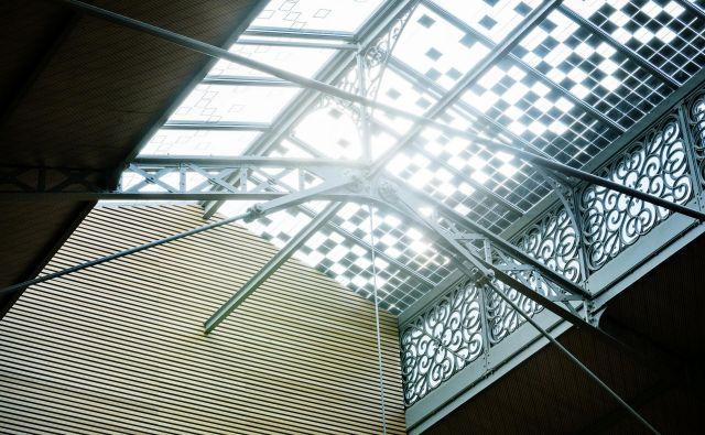 velux svetloba okna pisarne dom stavbe Foto Arhiv Velux
