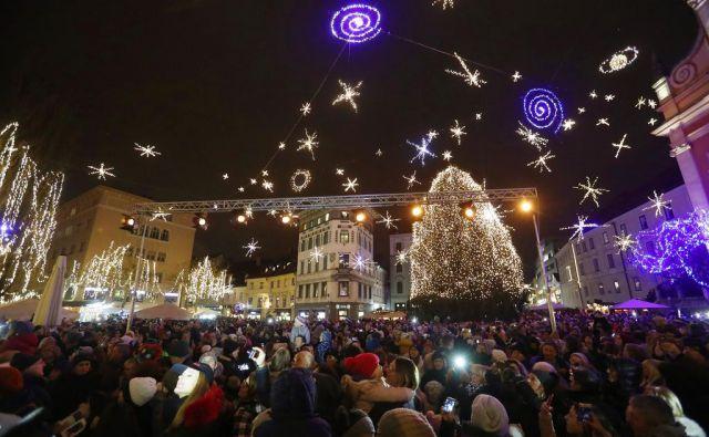 Prižiganje prazničnih lučk v Ljubljani, 1. december 2017. FOTO: Leon Vidic/Delo