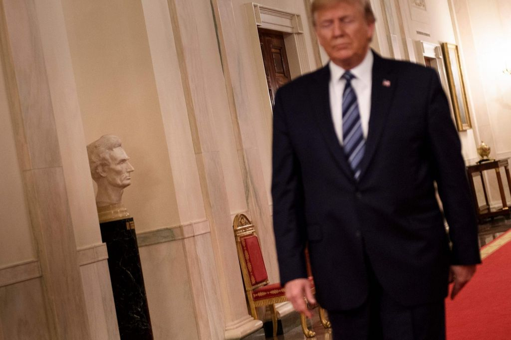 Trump mora plačati dva milijona dolarjev