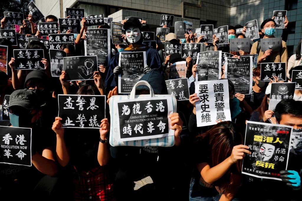 Prva smrtna žrtevmed pet mesecev trajajočimi protesti