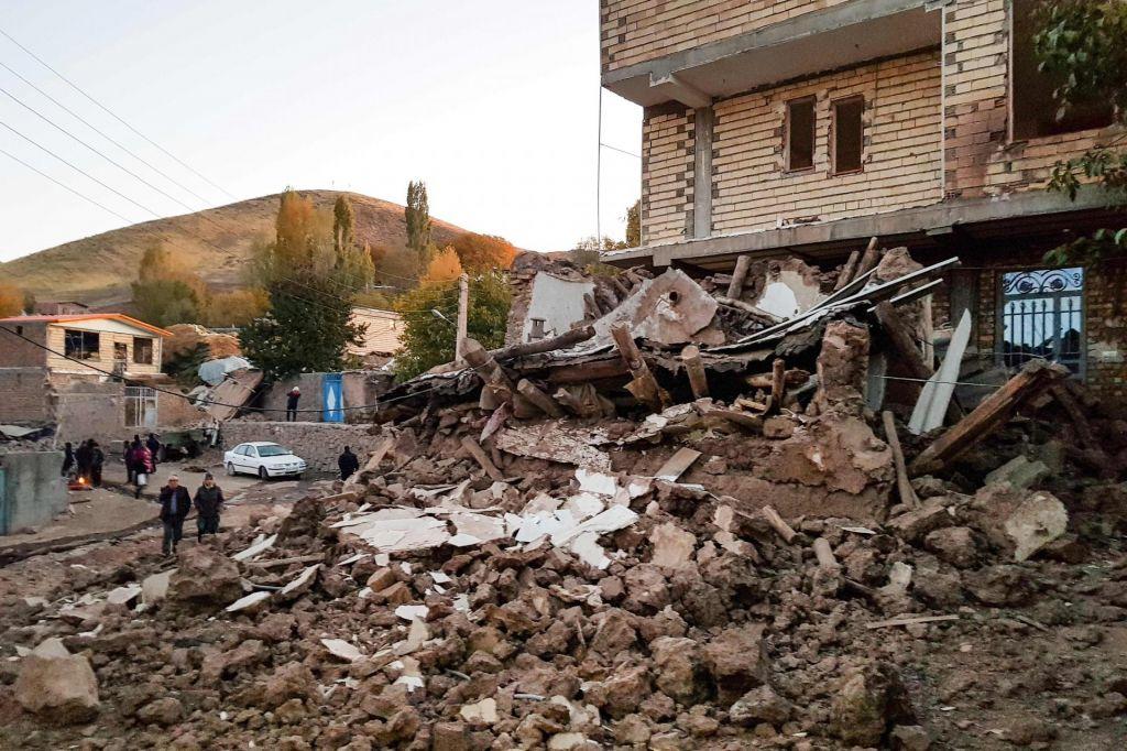 Hud potres v Iranu zahteval pet žrtev