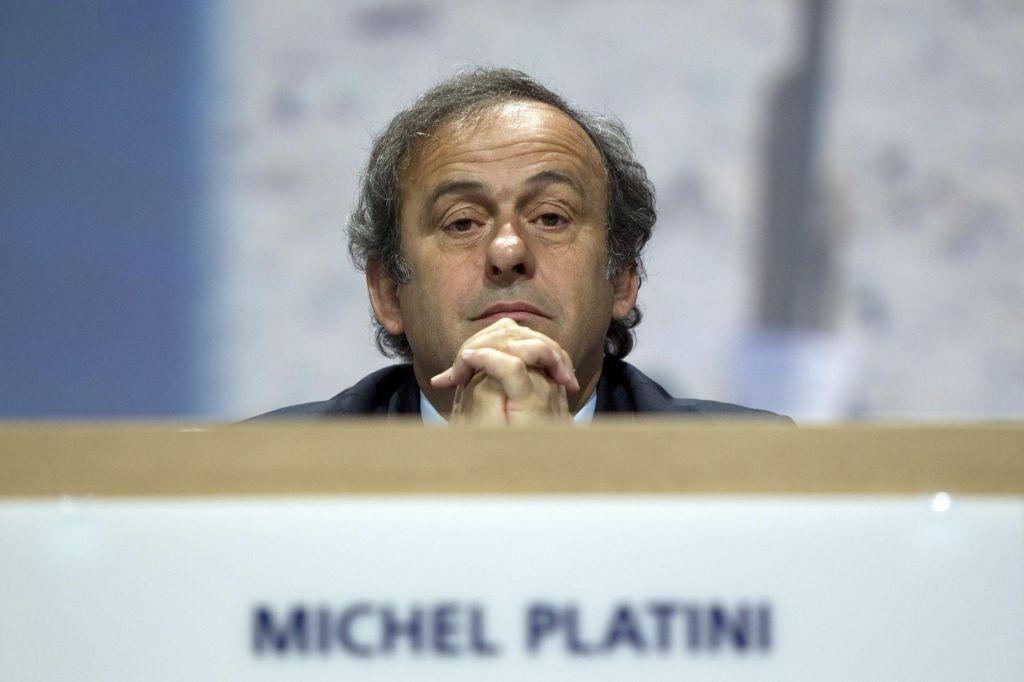 Michel Platini vrača udarec